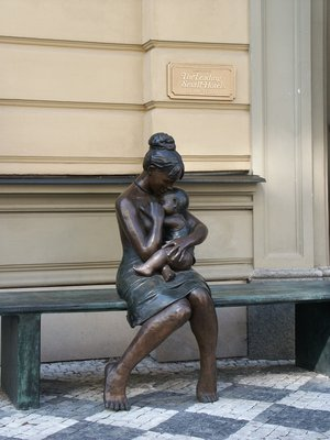 Matka s dítětem (autor fotografie: Milan Polák)