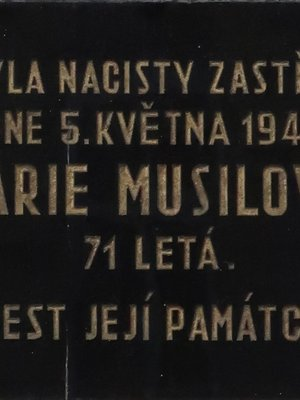 Pamětní deska M. Musilové (autor fotografie: Milan Polák)