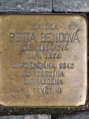 Stolpersteine Berty Bendové (autor fotografie: Milan Polák)