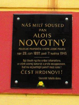 Pamětní deska A. Novotného