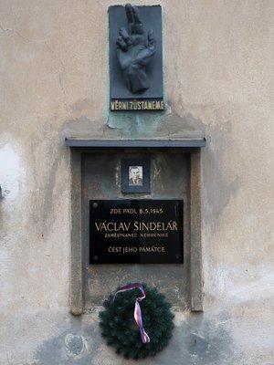 Pamětní deska V. Šindeláře