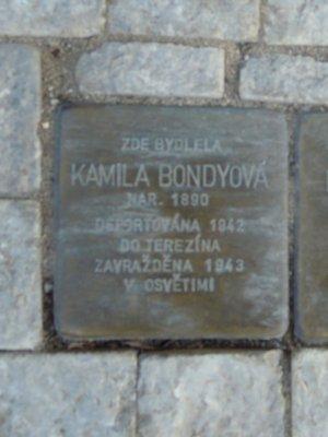 Kámen zmizelých, K. Bondyová (autor fotografie: Dagmar Broncová)