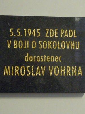 Pamětní deska Miroslava Vohrny