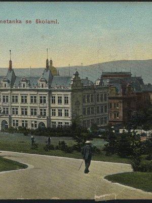 Školy Na Smetance na dobové pohlednici