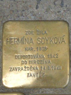 Kámen zmizelých, H. Soyková (foto D. Broncová)
