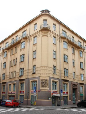 Nárožní dům čp. 1449 (foto Milan Polák, 2020)