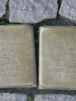Kameny zmizelých bratrů Lederorových