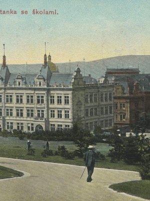 Název někdejší usedlosti Smetanka se stále objevuje v pojmenování ulice a školy (archiv)