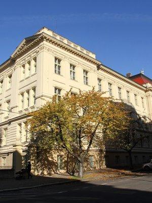 Fyziologický ústav (Foto M. Polák, listopad 2020)