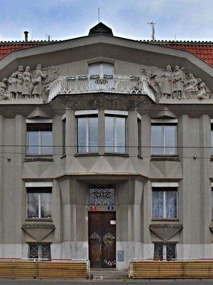 Kubistický trojdům, bydliště Meryčky Rosůlkové. Zdroj: archiv B. Kovaříkové