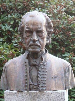 Busta Josefa Jana Friče v Ondřejovské hvězdárně. Foto Milan Polák, únor 2021