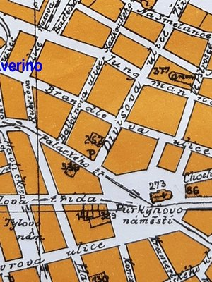 Na mapě je vyznačeno místo, kde se nacházelo Divadlo Averino