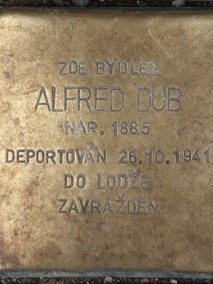 Alfred Dub, kámen zmizelých (Foto M. Polák, 2021)