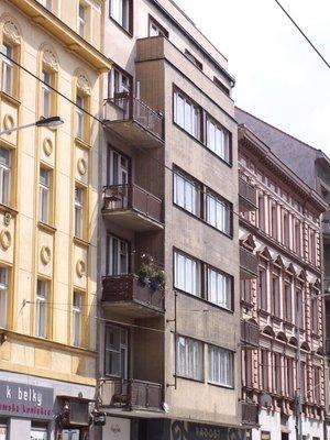 Dům Bělehradská 234/120. Foto P. Líbal