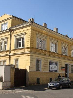 Tovární budova v březnu 2021 (Foto M. Polák)