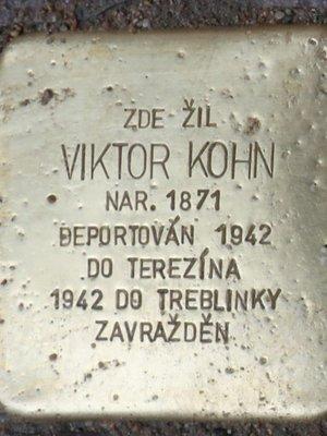 Kámen zmizelých Viktora Kohna (Foto M. Polák, červen 2021)