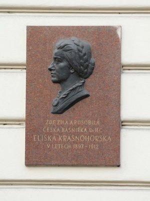 Eliška Krásnohorská, Resslova čp. 1940/5, Nové Město (autor fotografie: Milan Polák)