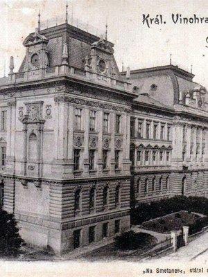 Škola Na Smetance, pohlednice. Zdroj: archiv M. Frankla